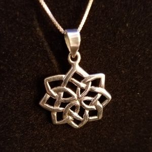 Jewelry - Sterling Silver Celtic Knot Pendant Necklace EUC